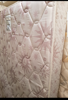 """Queen mattress """" SEALY """" """" BACK SAVER"""" """"GALAXY"""" CLEAN AND COMFY."""