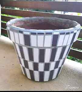 Hand made mosaic large stone pot Maryland Newcastle Area Preview