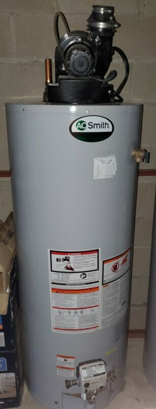 AO Smith GCR50400 Water Heater. With Vent Blower. NICE!!