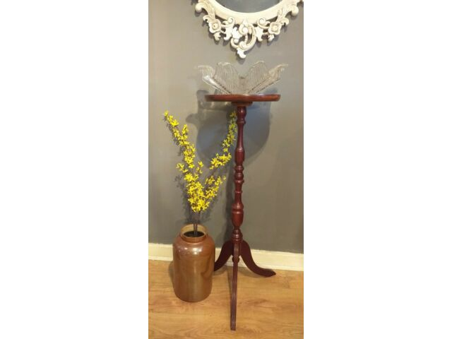 Reproduction magogany colour plant stand, torchiere/ jardiniere.