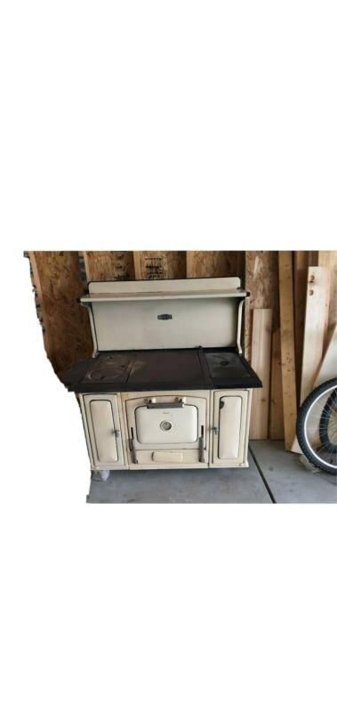 ANTIQUE VINTAGE DUEL FUEL (GAS/WOOD BURNING) KITCHEN COOK STOVE