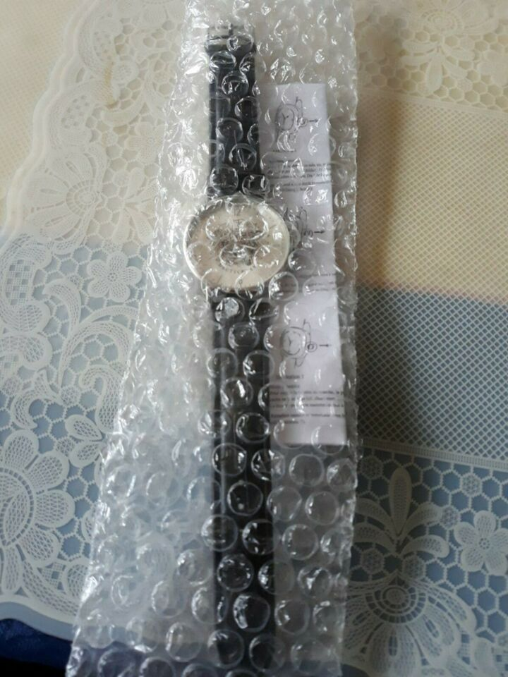 neue silberfarbene Armbanduhr, ungetragen mit Deutschlandadler in Jarplund-Weding