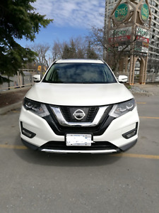 Must See ** 2017 Nissan Rogue SL Platinum - LOADED, Low Kms **
