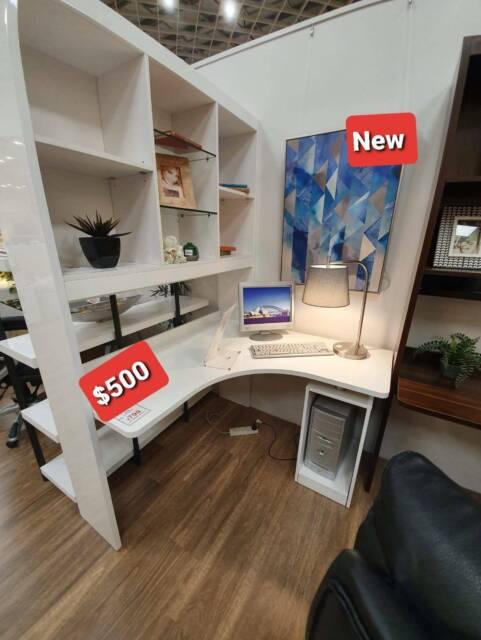 Brand new gloss white desk with hutch | Desks | Gumtree Australia Parramatta Area - Merrylands ...
