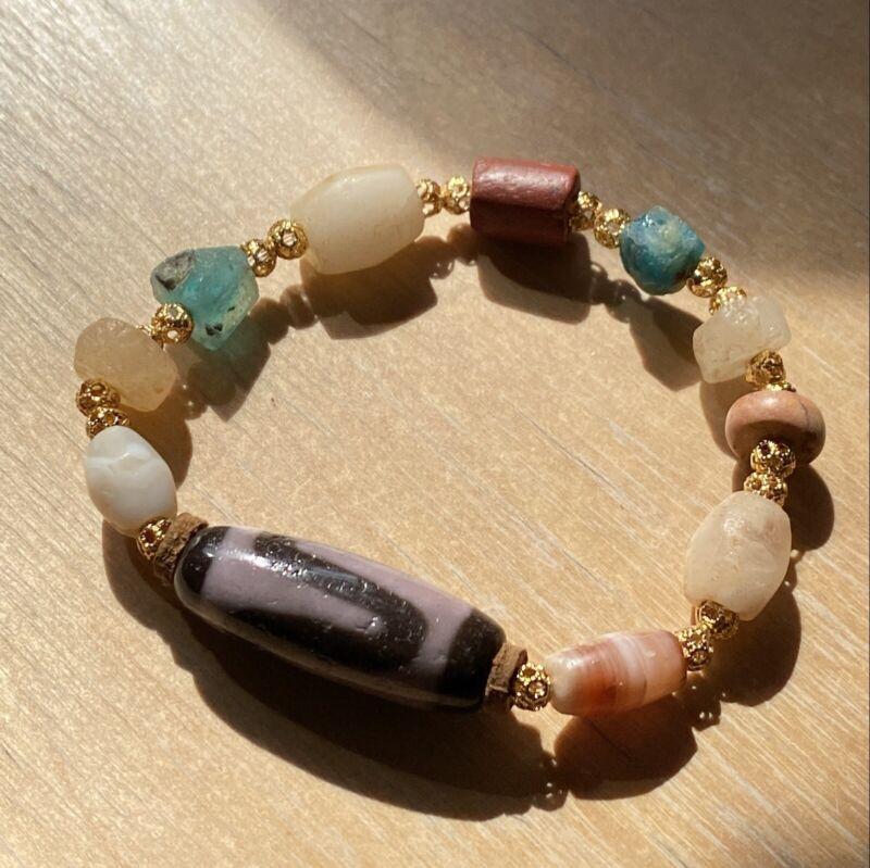 ANTIQUE OLD TIBETAN Purple TIGER TEETH, 1000 YEAR AGATE MULET DZI BEAD Bracelet