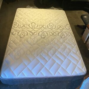 Double bed mattress and base Blaxland Blue Mountains Preview