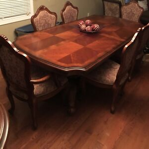 BROWN RECTANGULAR WOODEN TABLE/w 6chair Dining Set