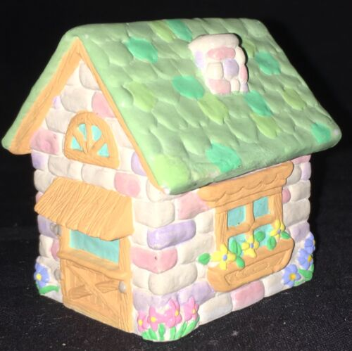 ROOFTOP TALES COTTAGE - 1995 HALLMARK EASTER MERRY MINIATURE