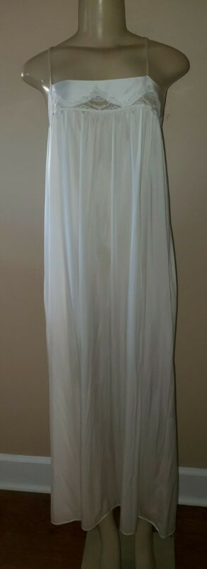 Vintage Miss Elaine White Nightgown Size Large