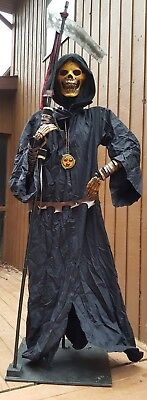 Grim Reaper Executioner halloween prop rare Spencer's 2003 collector - Grim Reaper Halloween Props
