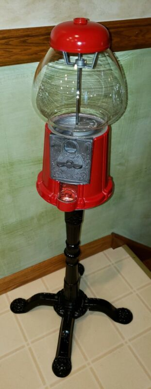 [GORGEOUS] 1985 CAROUSEL Vintage Gumball Machine CAST IRON PEDESTEL, GLASS GLOBE