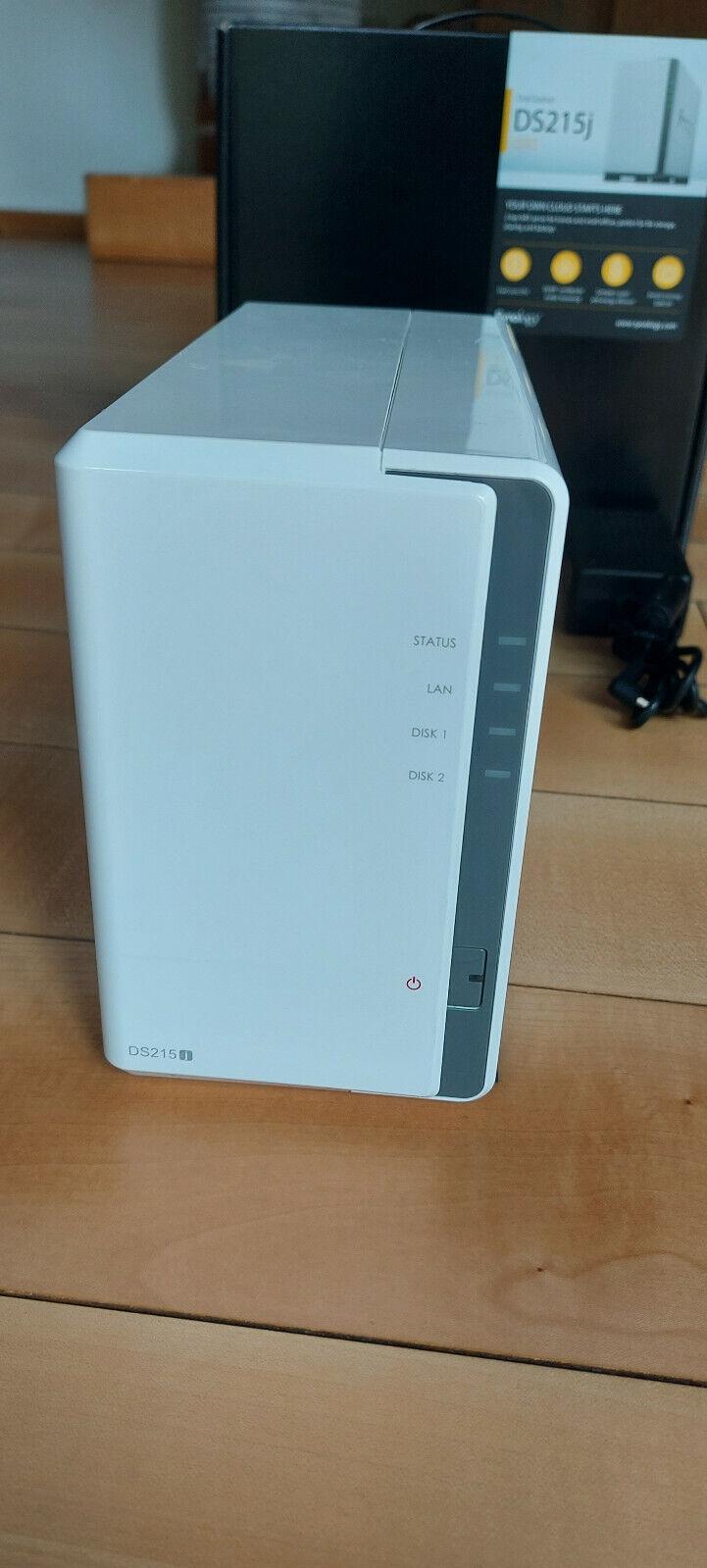 Synology DS215j 512MB RAM, 2-Bay NAS  mit  4TB (2x2)  Festplatten