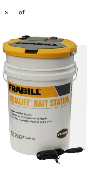 Frabill 14691 Aqua-Life Bait Station 6 Gallon Bucket
