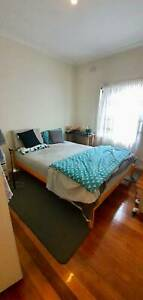 Single room for couple in Thomastown
