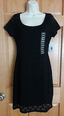Isaac Mizrahi NWT Black Lace Lined Stretch Short Sleeved Dress Size M