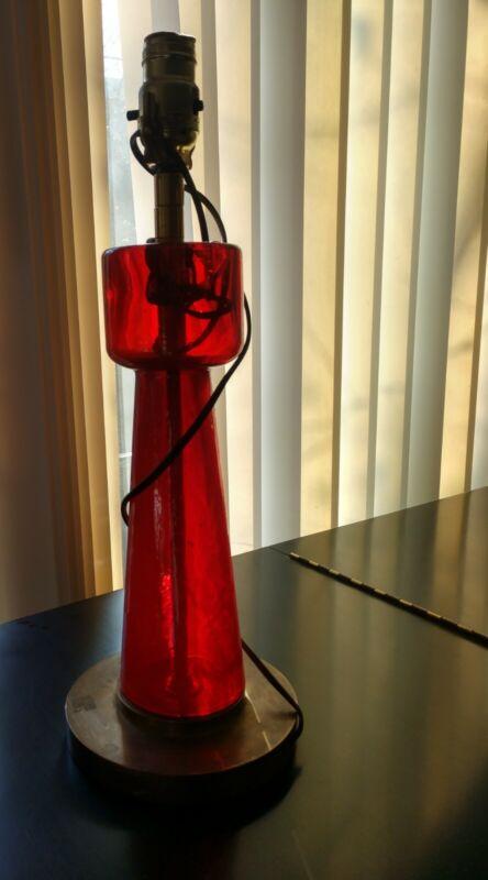 VINTAGE MCM CHERRY RED GLASS MODERNIST LAMP BLENKO?