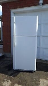 Kenmore 21cu.ft. Refrigerator, free delivery
