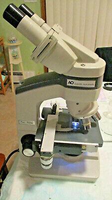 American Optical 150 Binocular Microscope W Illuminator Complete W Objectives