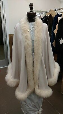 Full Skin Fox (EGGSHELL WHITE CREAM FOX FULL SKIN TRIMMED 100% CASHMERE SWING CAPE WRAP)