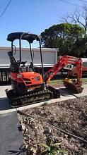 Excavator hire dry hire wet hire kubota u17 auger Patterson Lakes Kingston Area Preview