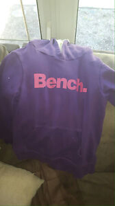 bench size 6 sweater