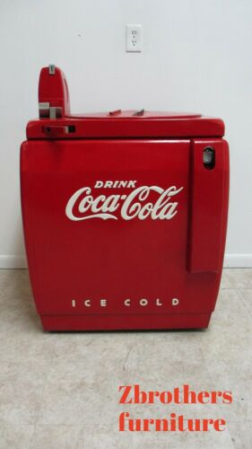 Vintage Coca Cola Machine Vendo 59