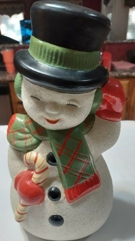 VINTAGE CHRISTMAS CERAMIC HAND PAINTED 12