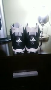 ADIDAS SOCCER SHOES NEW IN BOX