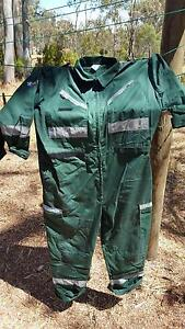 Student paramedic jumpsuit and wet weather gear Junortoun Bendigo City Preview
