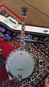 Banjo- 4 string tenor Glen Forrest Mundaring Area Preview