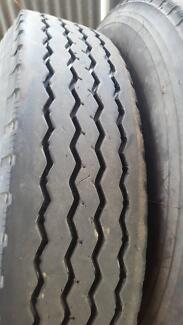 Regrooved 11r truck tyres