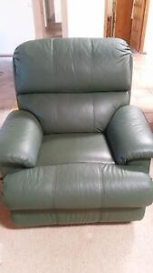 LEATHER MORAN RECLINER Wynnum West Brisbane South East Preview