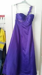 Purple Bridal/formal dress Greta Cessnock Area Preview
