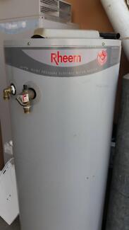 125 Litre Rheem electric storage hot water system