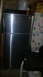 Westinghouse virtuoso fridge freezer Warnbro Rockingham Area Preview