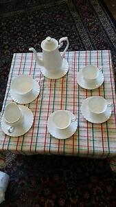 ROYAL  ALBERT Tea Set - Val D'or design, 17 piece set ($500) Fremantle Fremantle Area Preview
