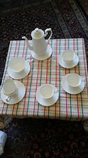 ROYAL  ALBERT Tea Set - Val D'or design, 17 piece set ($500)