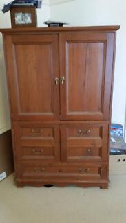 Sold Timber TV Unit (with tv) Tennyson Point Ryde Area Preview