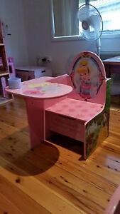 Disney Princess Desk Wetherill Park Fairfield Area Preview