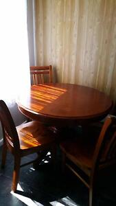 Round dining table and chairs Warrane Clarence Area Preview