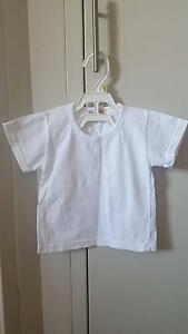 Basic white short sleeves t shirts 3 set size 105 St Leonards Willoughby Area Preview