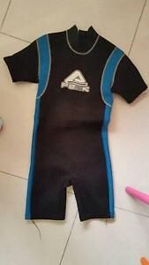 Men/Boys Size 16 Peak Wetsuit Glenelg East Holdfast Bay Preview