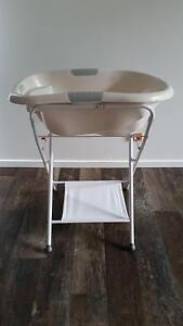 baby bath and stand Korora Coffs Harbour City Preview