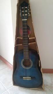 Classical guitar-half size
