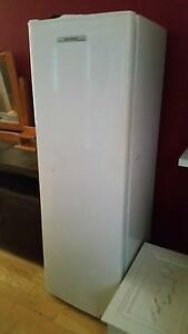 Slim Single door fridge Lake Haven Wyong Area Preview