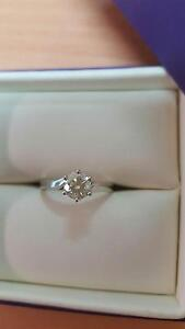 Stunning solitare white gold engagement ring at a massive bargain Wagga Wagga Region Preview
