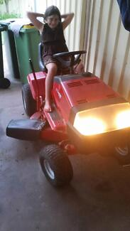 ride on mower ,, murry classic excellent condition Busselton Busselton Area Preview