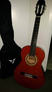 Valencia Classical Guitar - Good Sounding and Easy to Play
