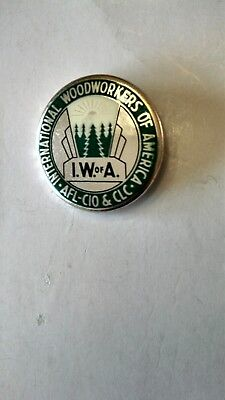 Vintage Collectible Button Pin Back International Woodworkers Of America