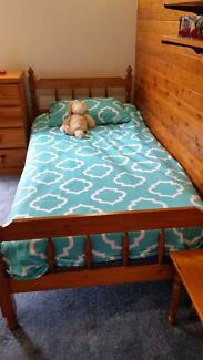 2 single beds can be converted to bunks